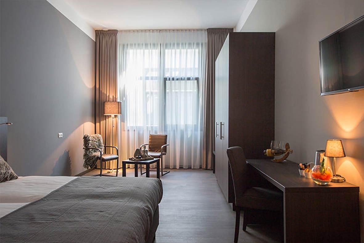 double-vision-hotel-bladel-deluxe-room-1-versID